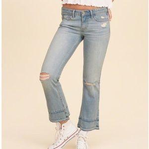NWOT Hollister Low-Rise Crop Flare Jeans Destroyed